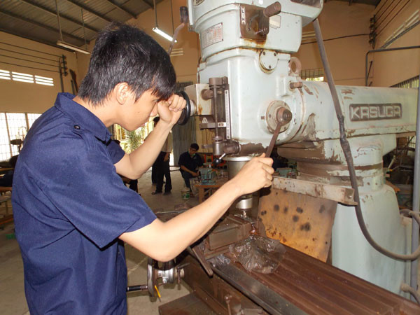 Tuyển dụng nhân viên cơ khí tốt nghiệp đại học chuyên ngành kỹ thuật, cơ khí tự động hoá