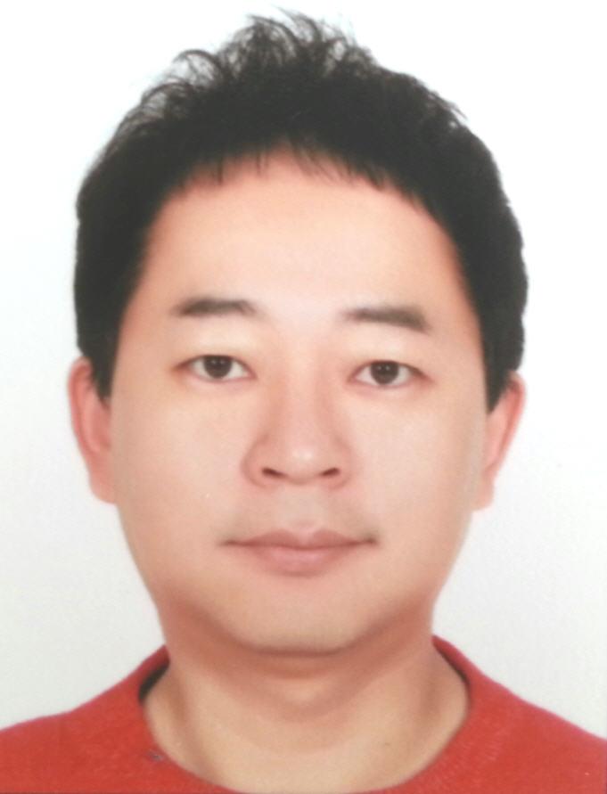 Đại diện choGeomagiclà ôngMr Jo Anki - Product Specialist Manager 3D Sytem.